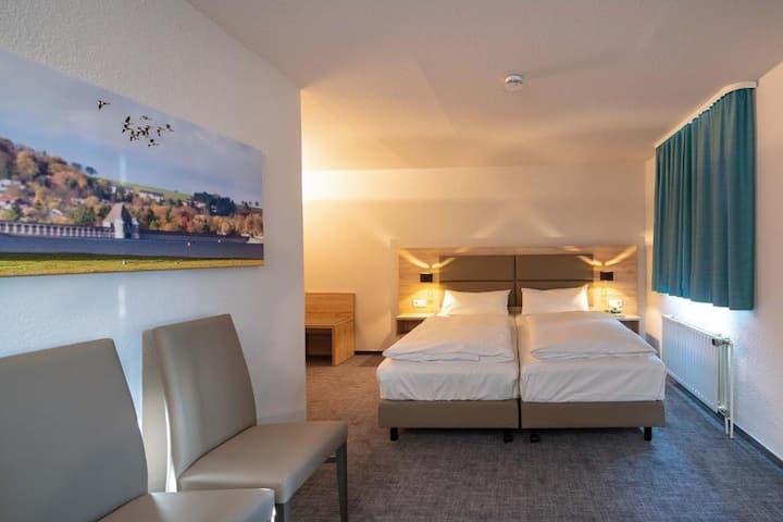 Hotel Haus Delecke, (Möhnesee), Einzelzimmer im Nebengebäude