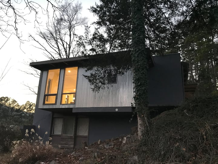 Mid-Century Modern in Downtown Hot Springs