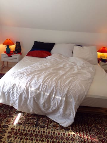 Private & comfortable deluxe room - Hvide Sande - Huis