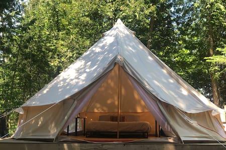 Tiki Hut Yurt- Tapu