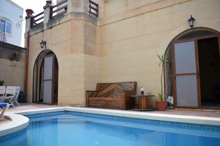 Bed and Breakfast,Room with private bathroom,pool