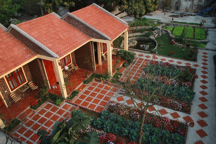 Sunshine Homestay- Double Room with Garden View