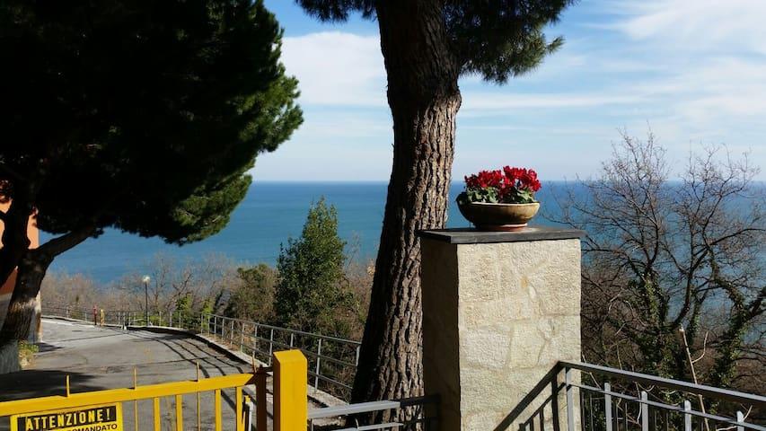 Bilocale con vista mare in Bergeggi - Bergeggi - Apartment