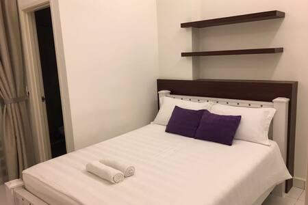 Modern cozy condominium - Bayan Lepas