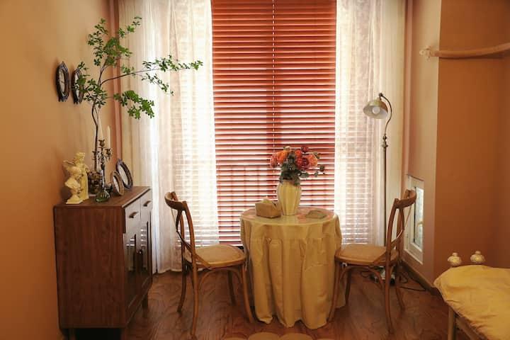 「理想屋」万达广场|浪漫法式房|影院房|情侣公寓|湖景房|可做饭