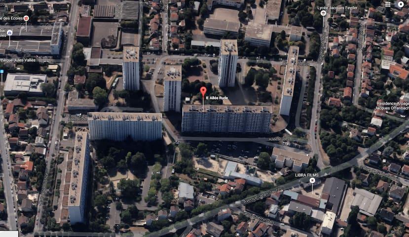 Chambre privée avec balcon et vue tour Eiffel - Épinay-sur-Seine - Apartament