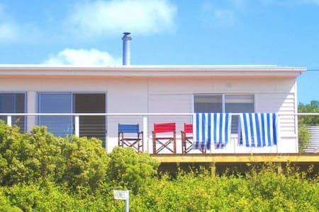 Island Belle pituresque views true Aussie shack