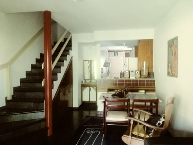 Itapuã - Aconchegante Casa em condomínio fechado