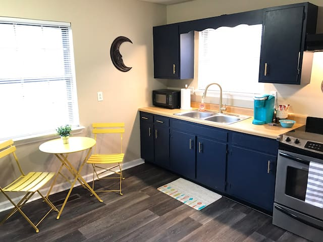 Spacious Loft 4 miles from Downtown Chattanooga!!!