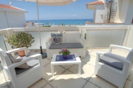 Casa vacanze Sicilia sul mare - Apartment