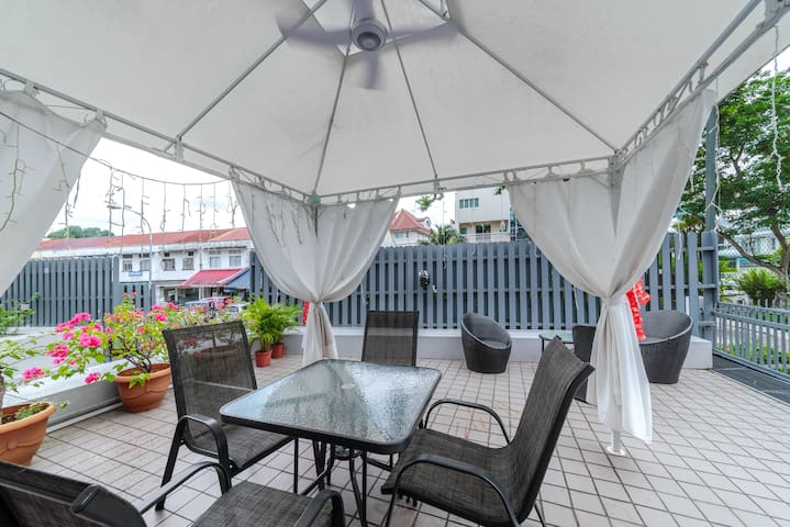 Private Rm near NUS,NTU.INSEAD, and Mapletree A