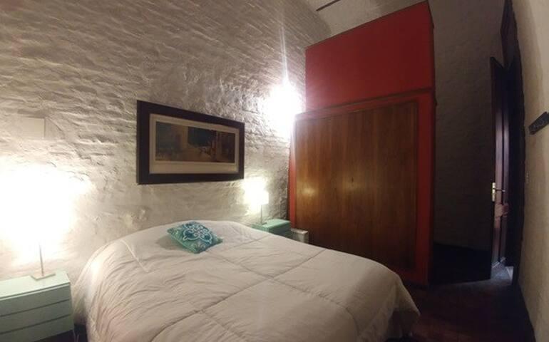 Habitacion doble con baño privado en villa crespo