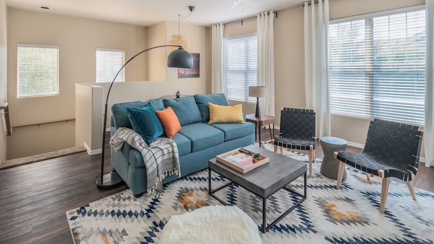 Luxe 2BR Central Phoenix Apt #1025 by WanderJaunt