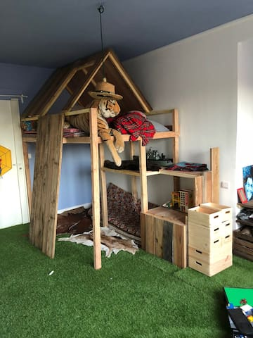 chambre enfant , 20m2, avec lit-cabane!