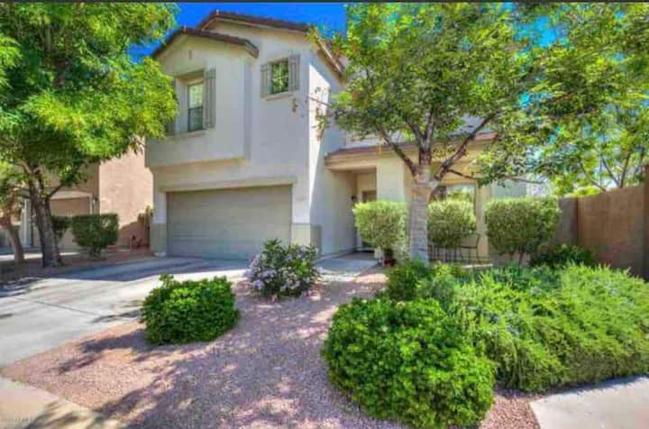 *NEW* Santan Mall, Entire House - Cozy 3 Bedroom
