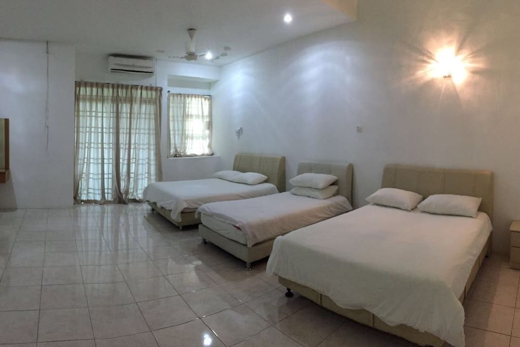 Large master bed room