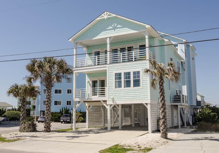 Patterson Place-Experience the Northend of Carolina Beach in this 6 bedroom dog friendly home