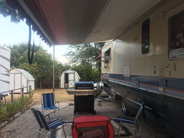 AUSTIN ACL OR OTHER EVENTS STUDIO RENTAL PROPERTY