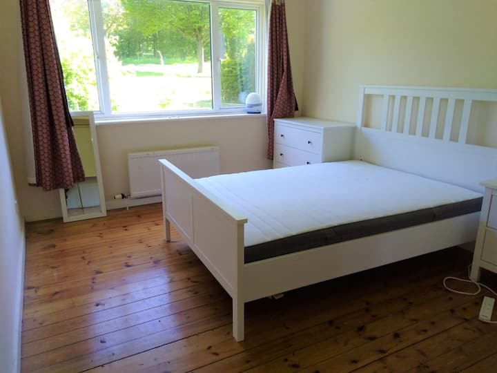 Edinburgh, double room in August