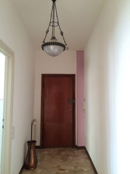 Entrance/entrata