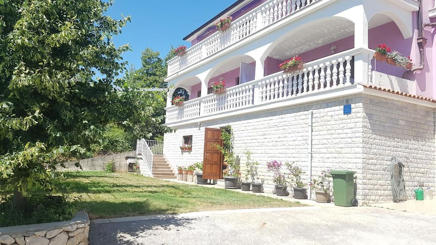 One bedroom apartment with terrace Smolići, Labin (A-17688-a)