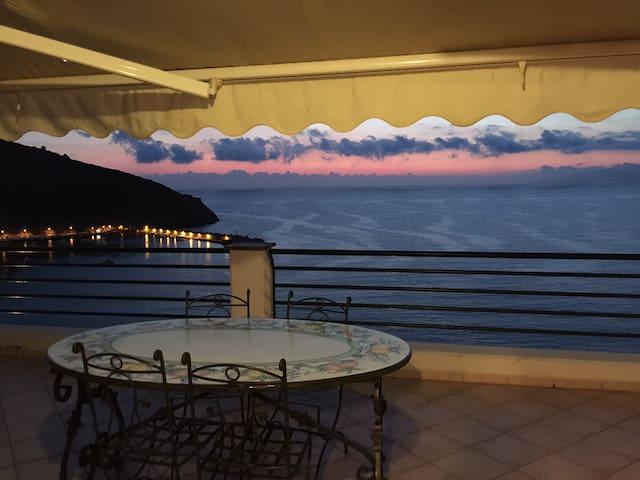 Appartamento panoramico sul mare - Palinuro - Apartemen