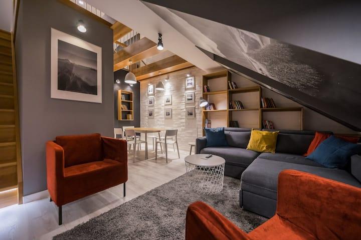Executive attic studio in the city center
