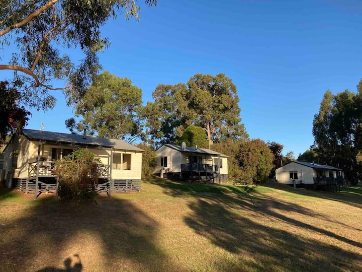 Glenlynn Farm Cottages - Sheoak Cottage
