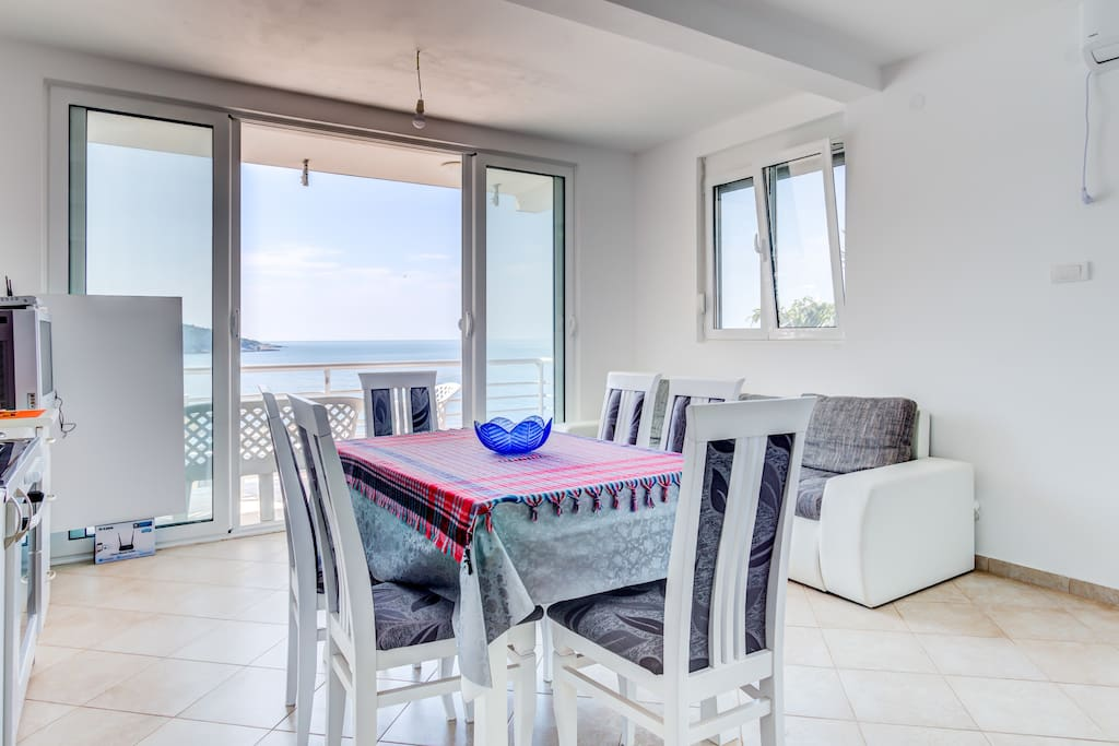Dining Area with Sea View.