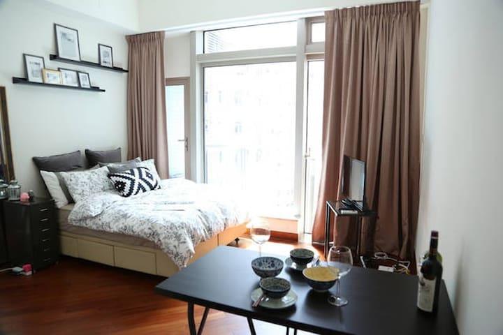 Luxe Studio Heart of HK @Wan Chai  5min to HKTDC - Hong Kong Island - Condominium