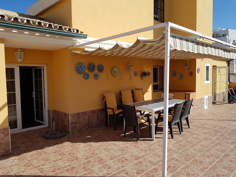 Acceso a terraza desde Salón y cocina