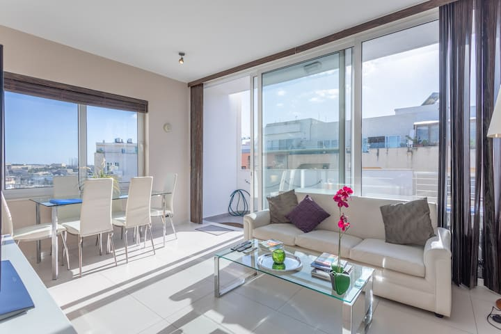 The Wedge Duplex Penthouse Balluta - Terrace Views