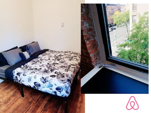 Time Square 2 Twin Beds Brick Wall New Yorker