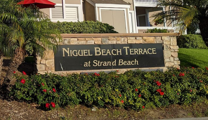 Upgraded Niguel Terrace Townhome At Strands Beach
