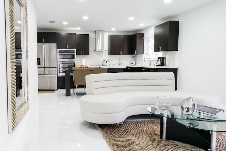*Luxury on the 2nd Floor*
