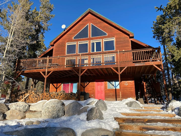 Moose Tracks Family Cabin w/ Mtn Views near Breck