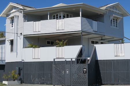 2-Bedroom Apartment @ St Cath's Cottage, Wynnum