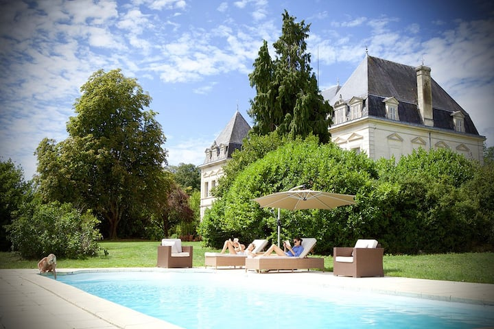 Chateau near Bordeaux with a swimming pool