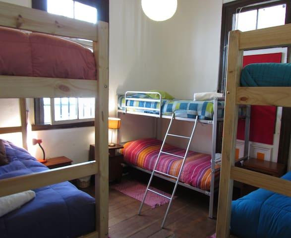 6 beds mixed dorm