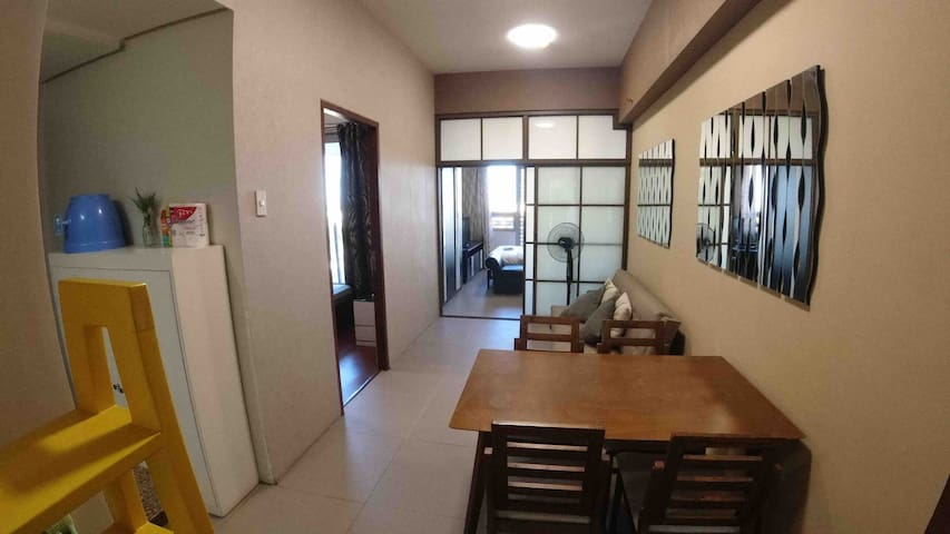 SPACIOUS, COZY 2 Bedroom Apartment in Cebu IT Park