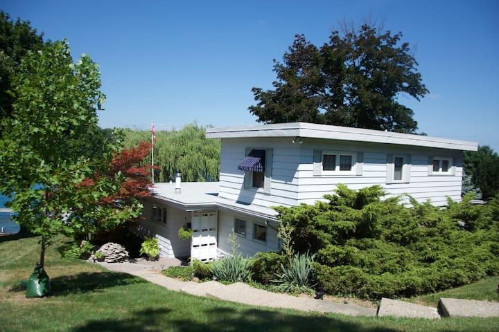 Big, comfy cottage on the riverbank