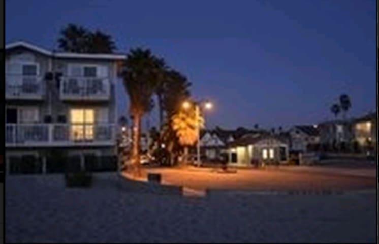 Ventura Beach Getaway - Ventura - Apartamento