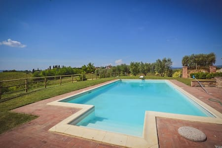 Villa with view on San Gimimignano pool shared - San Gimignano