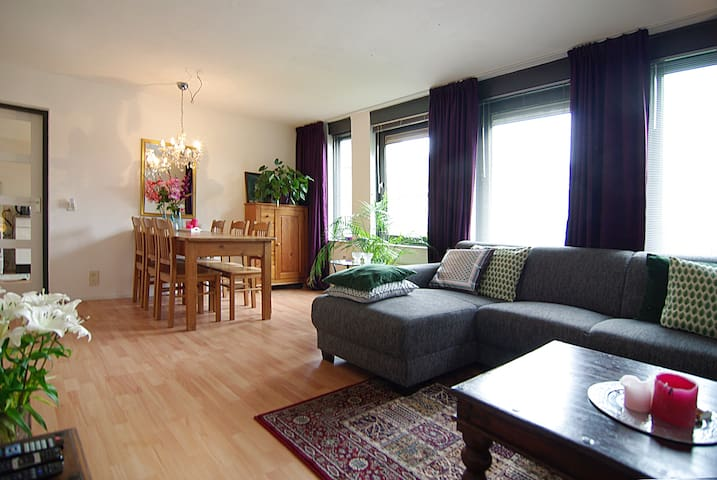 SPACIOUS apt. with small balcony! - Amsterdam - Daire