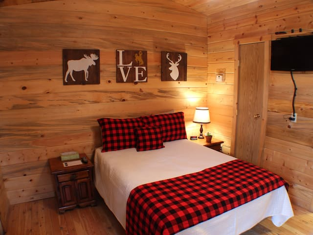 Cozy cabin for 3-4 guests