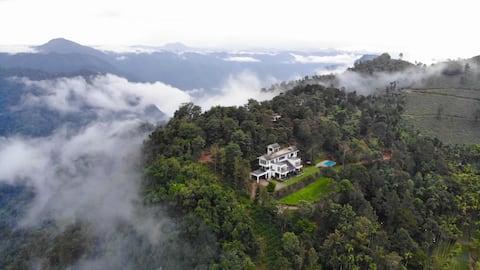 Chateau Woods-A Quiet Wayanad Bungalow