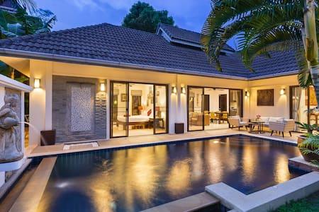 Renovated Thai-Balinese Private Pool Villa, 2BR