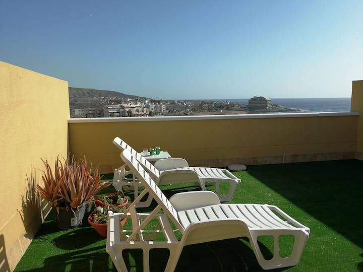Lovely seaview apartment (swimming pool & parking)
