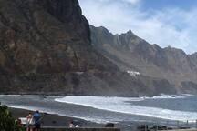 Playa y muelle del Roque