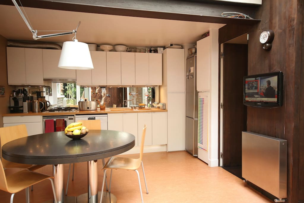 Shared kitchen with TV